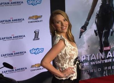 News video: Scarlett Johansson Sparks New Wedding Rumours