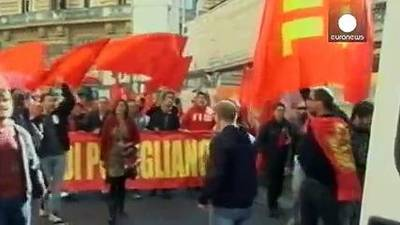 News video: Fresh protests in Naples over Renzi's job reforms